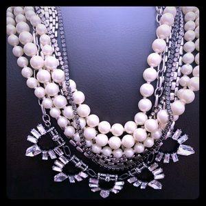 Stella & Dot Starlet statement necklace